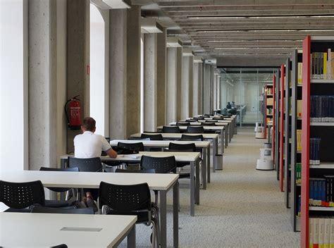 Facultad de Derecho de la Universidad de Alcalá  Madrid   UAH