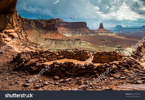 False Kiva, Canyonlands National Park Stock Photo ...