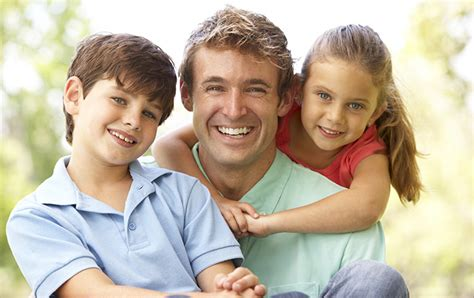 Familia Monoparental ⇒ 【Tipos, Ventajas y Desventajas】®