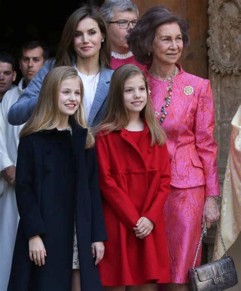 Familia Real Española: Los looks de Letizia, sus hijas y ...