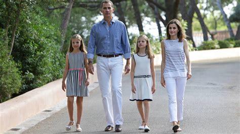 Familia Real Española: Los Reyes Felipe y Letizia ...