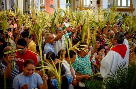 Familias celebraron el Domingo de Ramos   El Heraldo