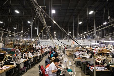 Fanatics, Maker of Sports Apparel, Thrives by Seizing the ...