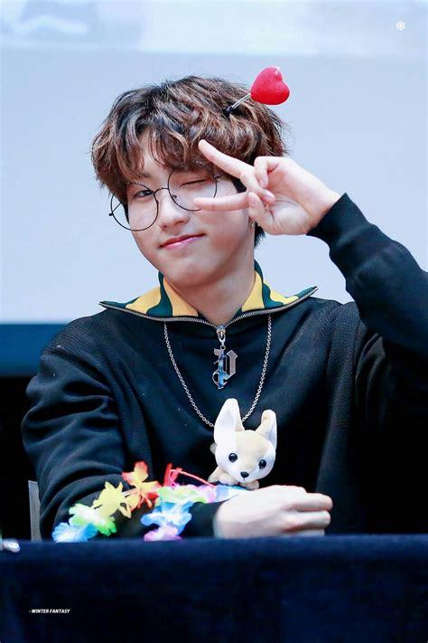 Fansign 2018/01/13   Kpop/BTS   Pinterest   Kpop, BTS and Idol