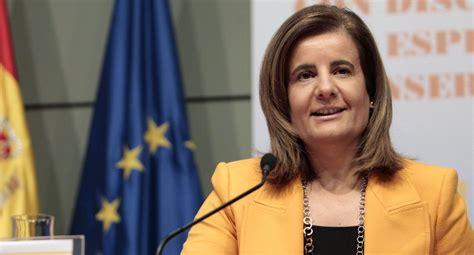 Fátima Bañez firma el protocolo para el cambio de usos del ...