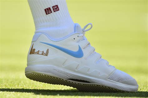 Federer s new clothes: At Wimbledon, Roger ditches Nike ...