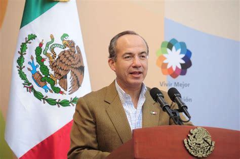 Felipe Calderón Hinojosa politician in poll - public ...
