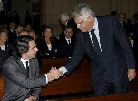 Felipe González y Aznar en el funeral por Calvo-Sotelo ...