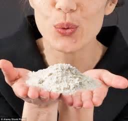 Female 'Devil's Breath' criminals are blowing drug powder ...