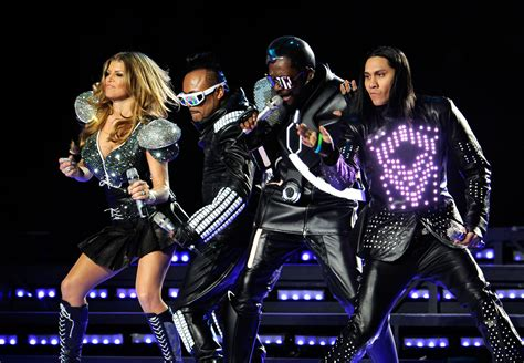 Fergie departs the Black Eyed Peas to focus on solo ...
