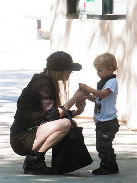Fergie in Fergie and Son Axl Jack Duhamel Go to the Park ...