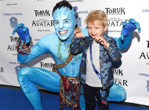 Fergie & Josh Duhamel s Son Axl Is the Cutest Avatar Fan ...