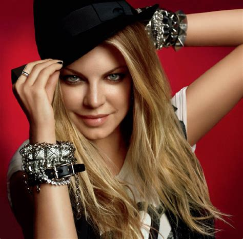 Fergie News | MetroLyrics