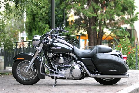 Ficheiro:Harley Davidson Road King Custom 2006.jpg ...