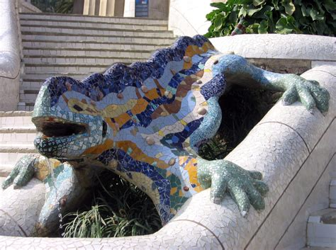 Fichier:Drac  Parc Güell .JPG — Wikipédia