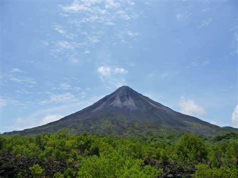 Fichier:Volcan arenal2012.JPG — Wikipédia