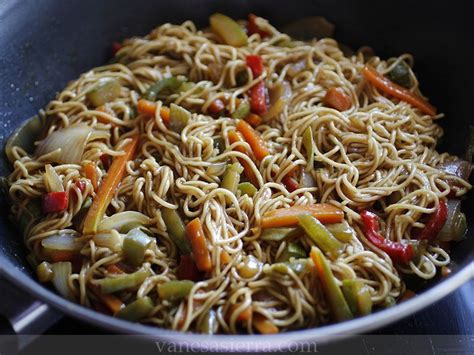 Fideos chinos con verduras | Comparterecetas.com