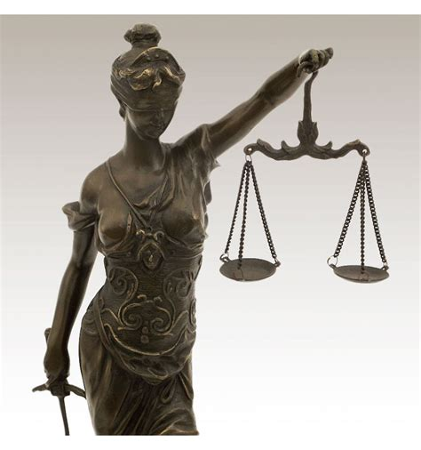 Figura de Bronce. Justicia con balanza 045cm (Temis)
