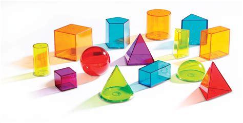 Figuras geométricas espaciales traslúcidas