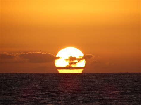 File:Atardecer y puesta de sol.JPG   Wikimedia Commons
