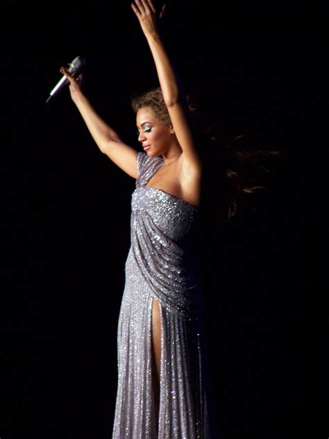 File:Beyonce In Tour.jpg - Wikimedia Commons