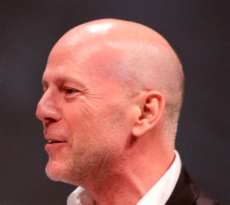 File:Bruce Willis Comic-Con 2010 - cropped.png - Wikimedia ...