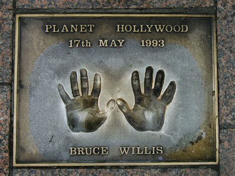 File:BruceWillis-Handprints.jpg - Wikimedia Commons
