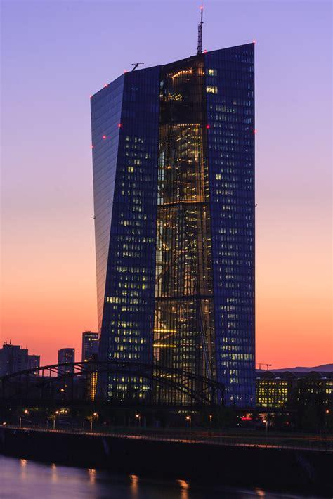 File:ECB Frankfurt at Sunset.jpg - Wikimedia Commons
