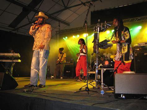 File:Eek-A-Mouse with band (Swea reggae festival, 2006 ...