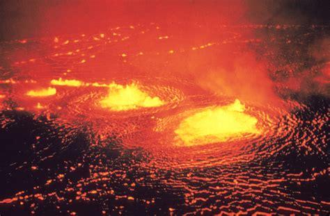 File:Eruption 1954 Kilauea Volcano.jpg - Wikipedia