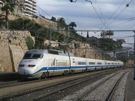 File:Euromed Barcelona-Alicante entrando en la estación de ...