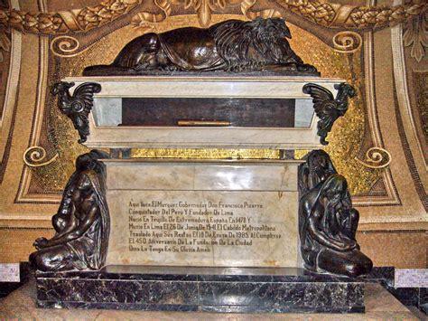 File:Francisco Pizarro Tumba.JPG   Wikipedia