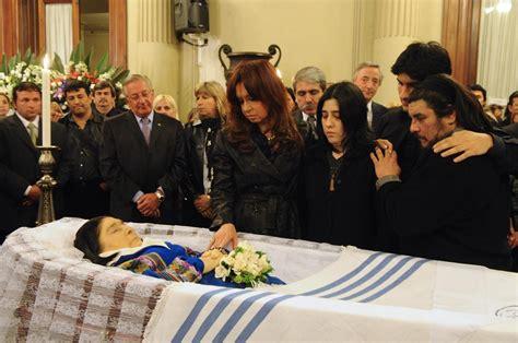File:Funeral de Mercedes Sosa.jpg   Wikimedia Commons