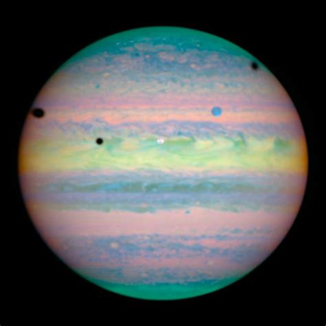 File:Hubble Spies Jupiter Eclipses.jpg - Wikimedia Commons