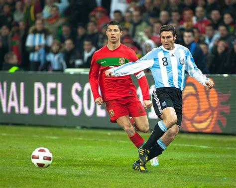File:Javier Zanetti et Cristiano Ronaldo.jpg   Wikimedia ...