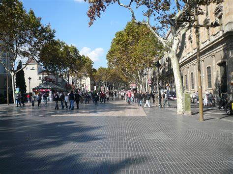 File:La Rambla, Barcelona.jpg   Wikimedia Commons