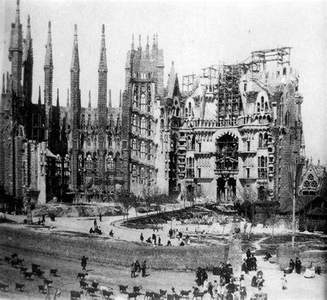 File:La Sagrada Familia en construcción, c. 1915.jpg ...
