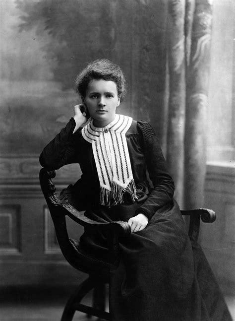 File:Maria Skłodowska Curie 1903.jpg   Wikimedia Commons