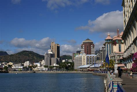 File:Mauritius Port-Louis CaudanWaterfront.JPG - Wikimedia ...