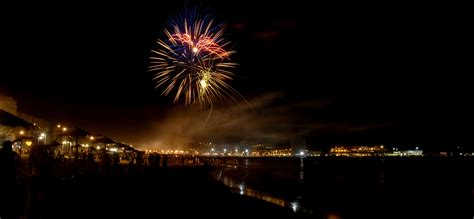File:Melilla, noche de San Juan de 2009.jpg - Wikimedia ...