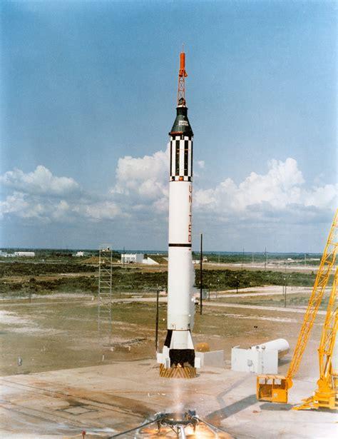 File:Mercury 3.jpg   Wikimedia Commons