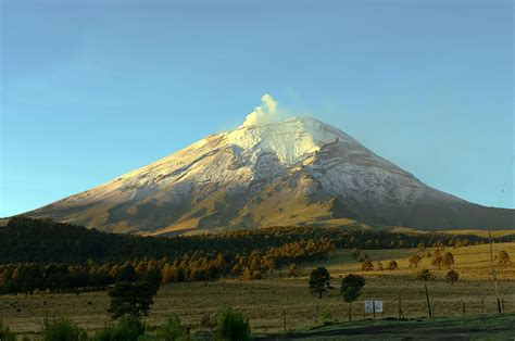 File:Mexico-Popocatepetl.jpg - Wikipedia