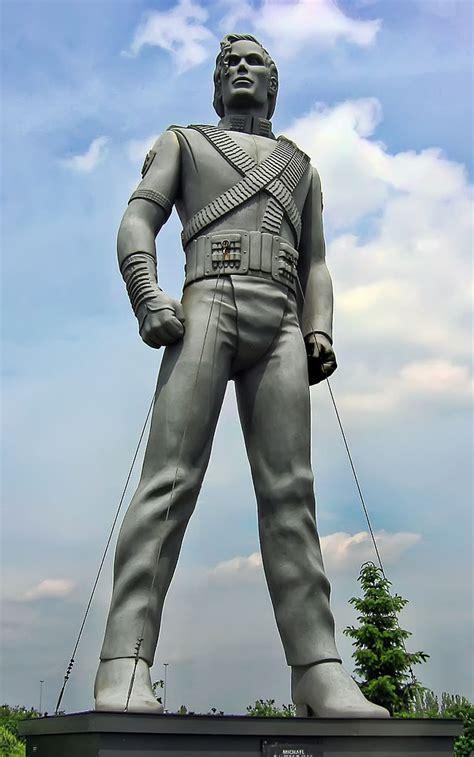 File:Michael Jackson sculpture.jpg   Wikipedia