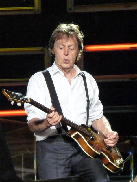 File:Paul McCartney live in Dublin.jpg - Wikimedia Commons