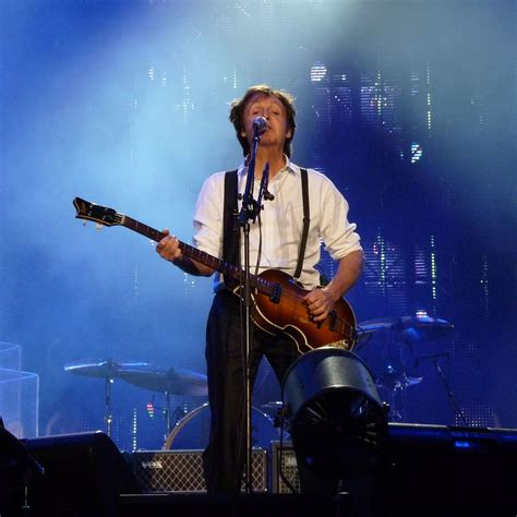 File:Paul McCartney live in Dublin2.jpg - Wikimedia Commons