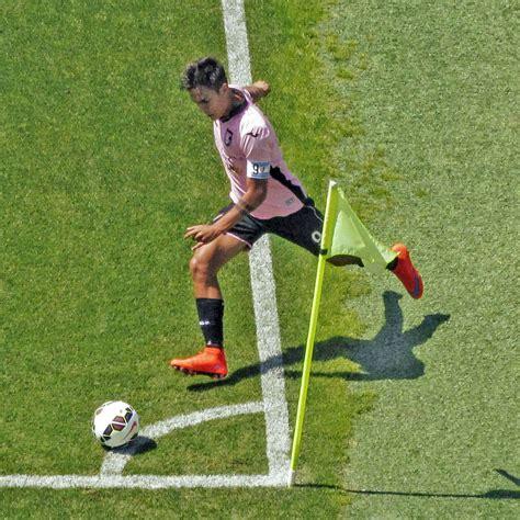File:Paulo Dybala - 2015 - US Città di Palermo (corner ...