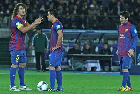 File:Puyol Xavi Messi FC Barcelona Team of the Year 2011 ...