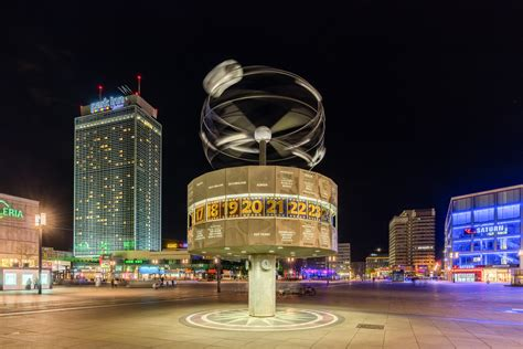 File:Reloj Mundial, Berlín, Alemania, 2016-04-22, DD 46-48 ...