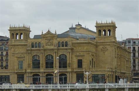 File:San Sebastian Teatro Victoria Eugenia.jpg - Wikimedia ...