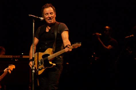 File:Springsteen with Telecaster.jpg   Wikipedia